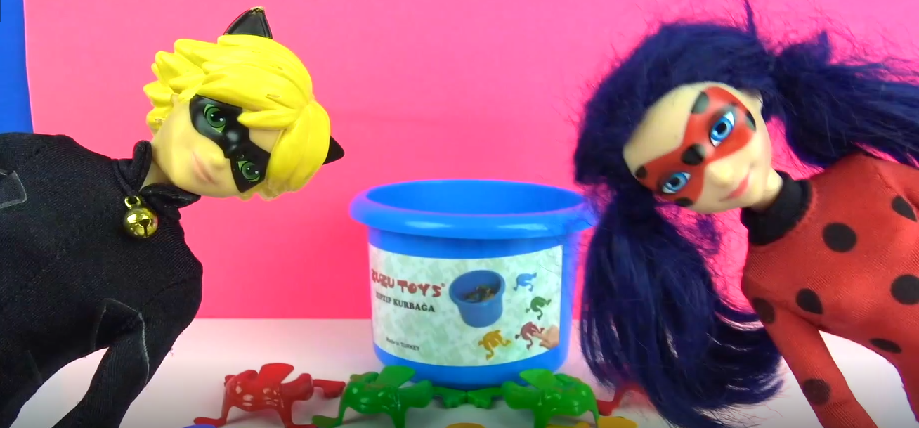 Kara Kedi Mucize Uğur Böceği ile Learn Colors With Bouncing Frog Challenge Zıpzıp Kurbağa Oyunu