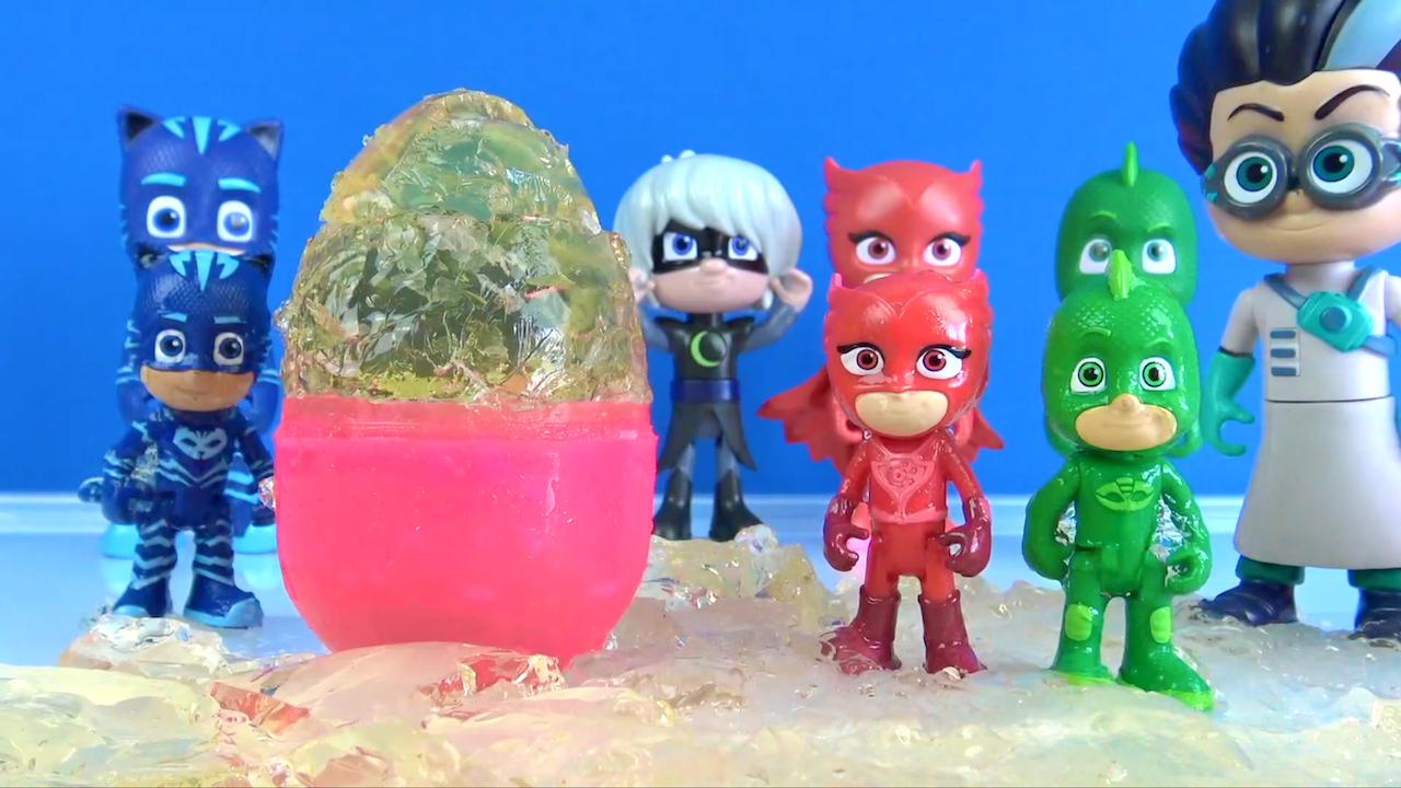 Pijamaskelilerin baktığı 3 dev Jöle Jelly sürpriz yumurtanın içinde ne var?