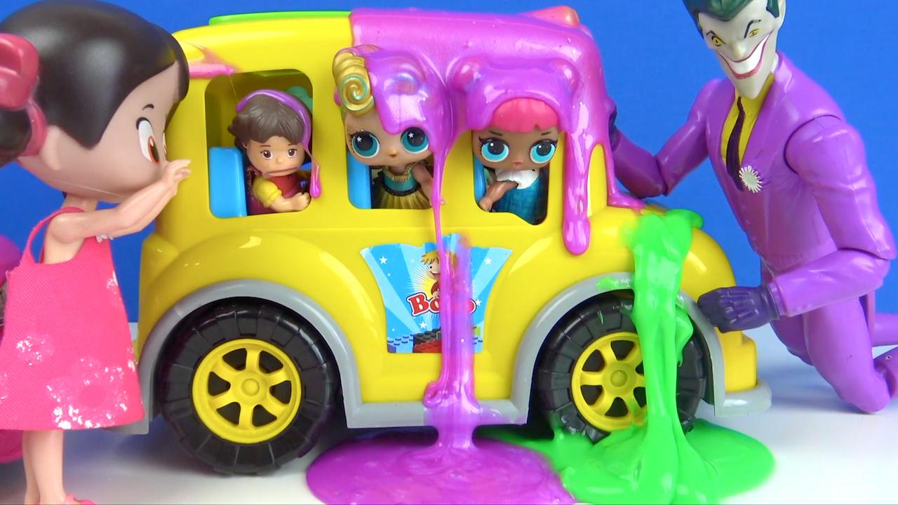 Joker okul otobüsünü nasıl Slime tuzağına düşürüyor-Öğretmen Niloya Lol Bebek